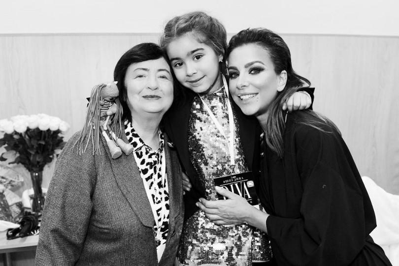 Ані Лорак з мамою та донькою Софією