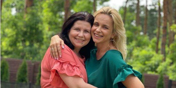 Лілія Ребрик з мамою