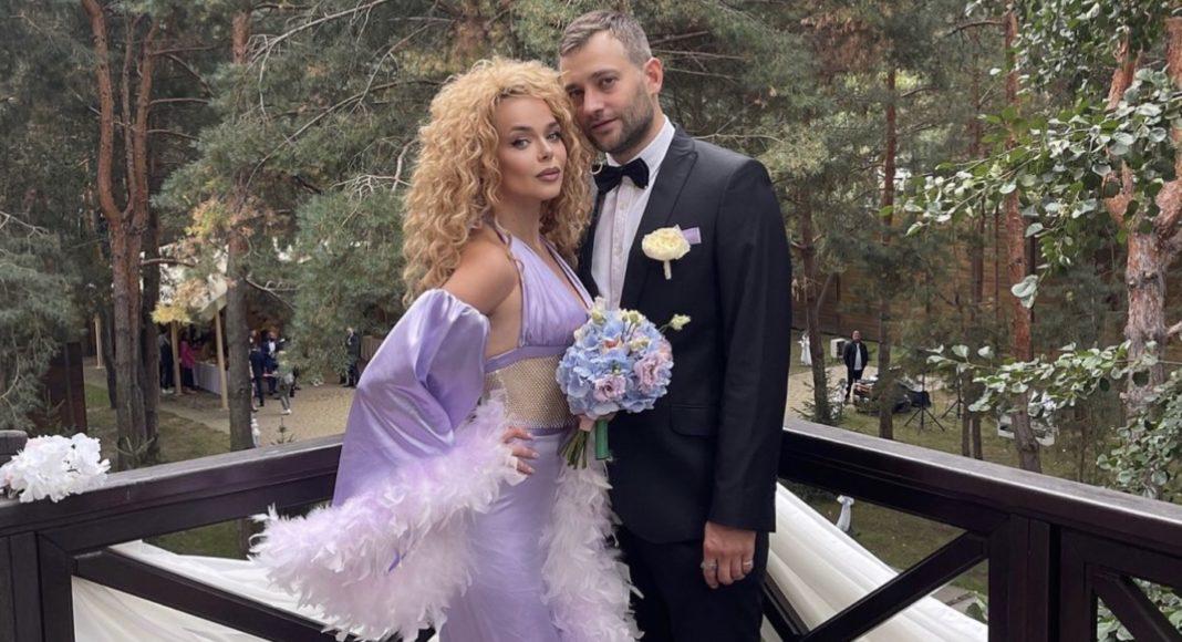 Аліна Гросу та Роман Полянський Аліна Гросу у ролі нареченої