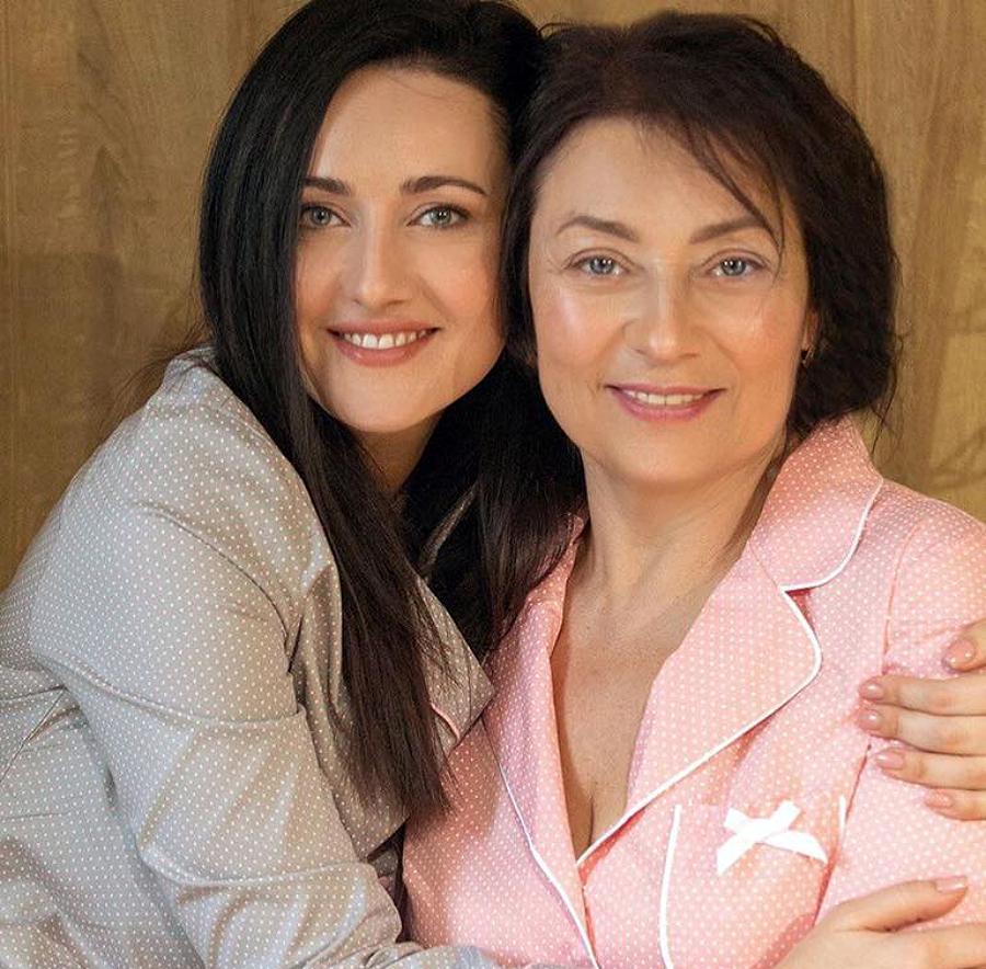 Соломія Вітвіцька разом з мамою Світланою