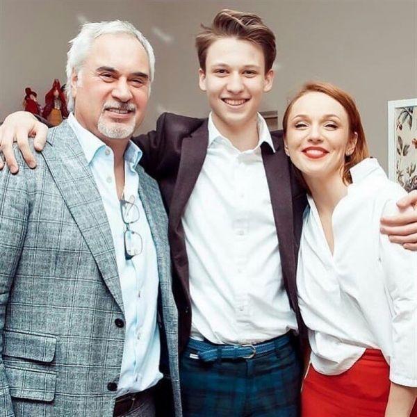 Валерій Меладзе та Альбіна Джанабаєва з сином Костянтином